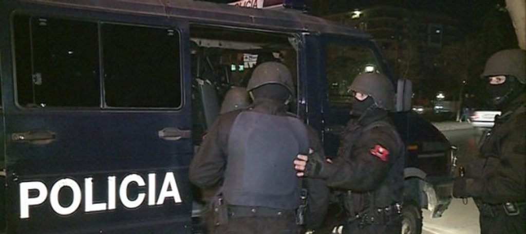 Në arrati për 3 vite, arrestohet i shumëkërkuari për drogë në Gjirokastër
