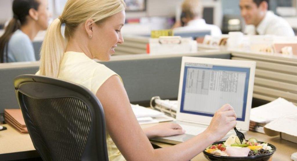 Jeta e zyrës, truket për të shmangur marrjen e peshës
