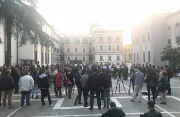 Nesër protestë në Tiranë para Parlamentit, kundër shembjes së Teatrit