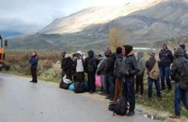 Kalonin pakistanezët drejt Italisë me 1200 euro, pranga dy të rinjve në Fier