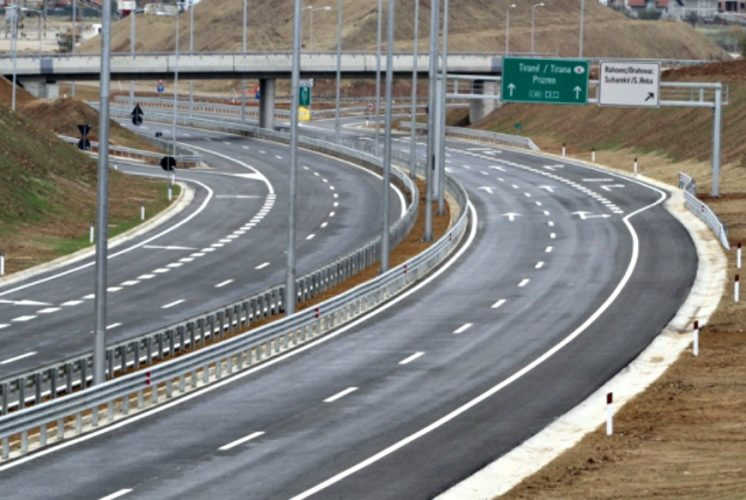 Highway toll charges discussed with business representatives in Kosovo