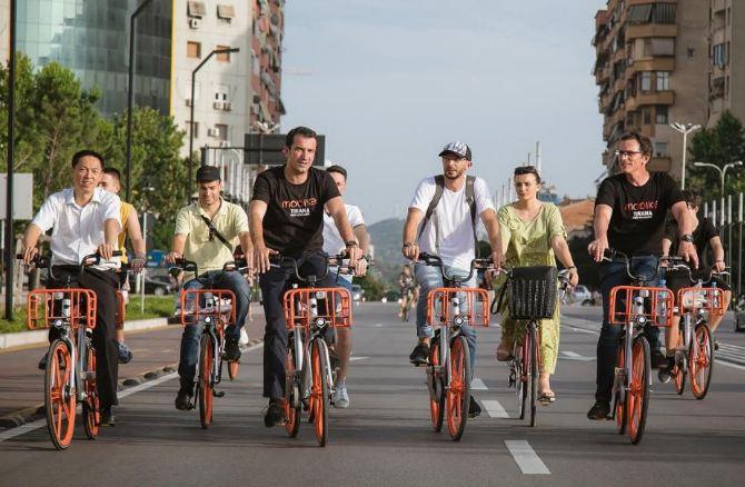Tirana me biçikleta pa stacion, udhëtoni më lirë se sa një biletë autobusi