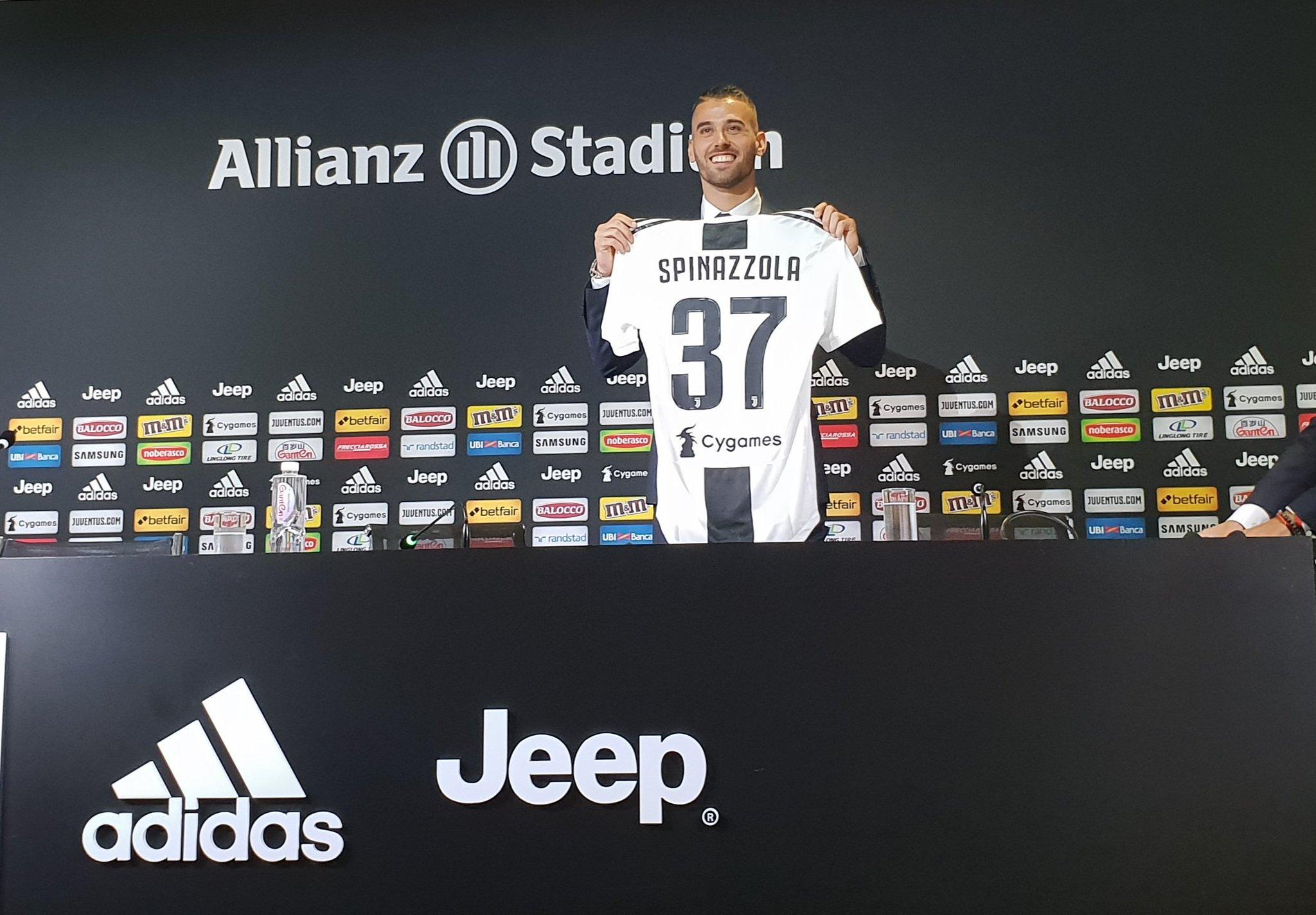 """EFEKTI """"CRISTIANO""""/ Spinazzola prezantohet me shaka, """"Numrin 7 ia kam lënë Ronaldos"""""""