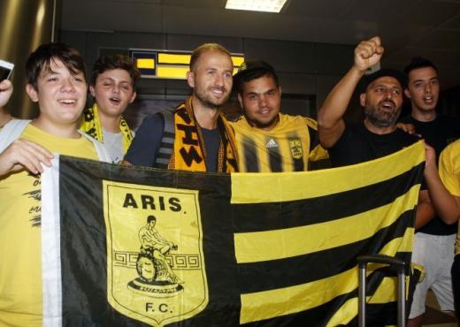 Migjen Basha i bashkohet Aris-it, entuziazëm në Selanik