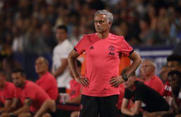 """Mourinho i """"qan hallin"""" kolegut: Klopp, të qeshë në fund të sezonit!"""