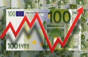 Luhatje të reja të euros, zhvillime të pritshme nën efektin e turistëve