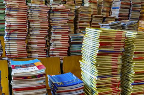 Qeveria nxjerr VKM-në: Për fëmijët nga klasa e parë deri në të katërt, librat falas