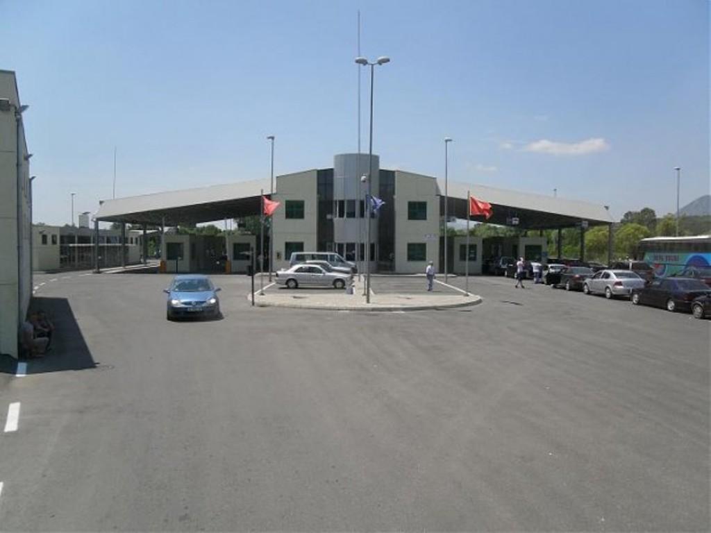 Policia Kufitare rrit masat lehtësuese në pikat e kalimit kufitar Morinë dhe Muriqan