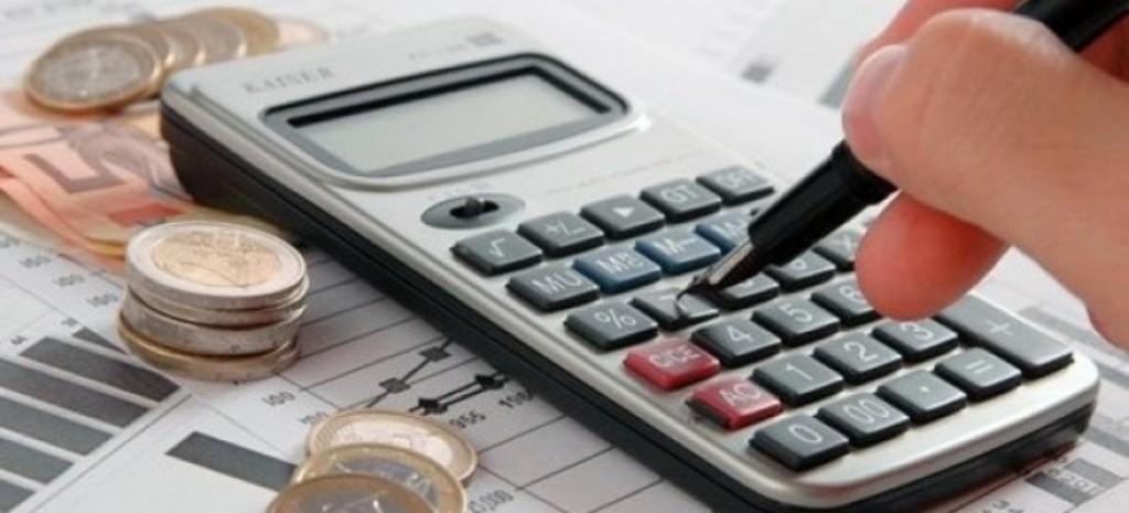 """Shtatori """"troket"""" me një buxhet të ri, qeveria ndryshon sërish shpërndarjen e fondeve"""