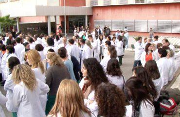 """Qeveria """"Rama"""", nga 1 prilli rrit pagat për mjekët, mësuesit dhe ushtarakët"""