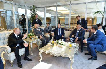 Nafta bashkon në një tavolinë në Stamboll kryeministrin Rama, Erdogan dhe Vuçiç