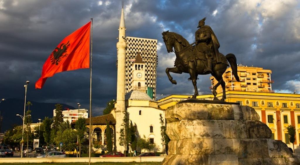 SPECIALE/ Një vit pas zgjedhjeve, Shqipëria me veting e sytë nga negociatat