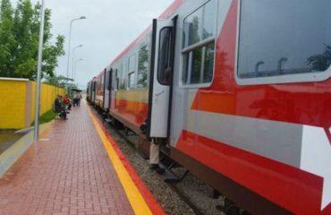 Me tren nga Tirana në Durrës, në hekurudhën e re bileta 1-1.2 euro