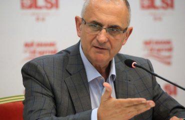 LSI, Vasili: Kryeministri që shkëlqen me injorancën e tij