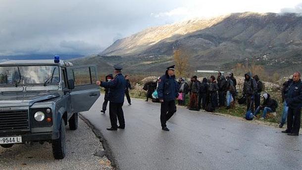 Ndalohen klandestinë sirianë, marokenë dhe afganë në Kapshticë