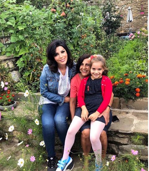 Sonila Meço tregon dilemën e vajzës së saj...për Dardhën dhe me gjithë dardhat