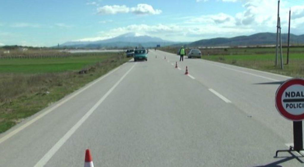 FIER/ Kamioni përplas këmbësorin, vdes në spital 48-vjeçari