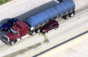 VIDEO/ Aksidenti bllokon dy automjete, mbyllet autostrada