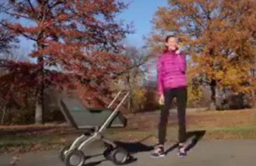 VIDEO/ Karroca e fëmijëve për prindërit hutaqë, ju ndjek kudo që të shkoni