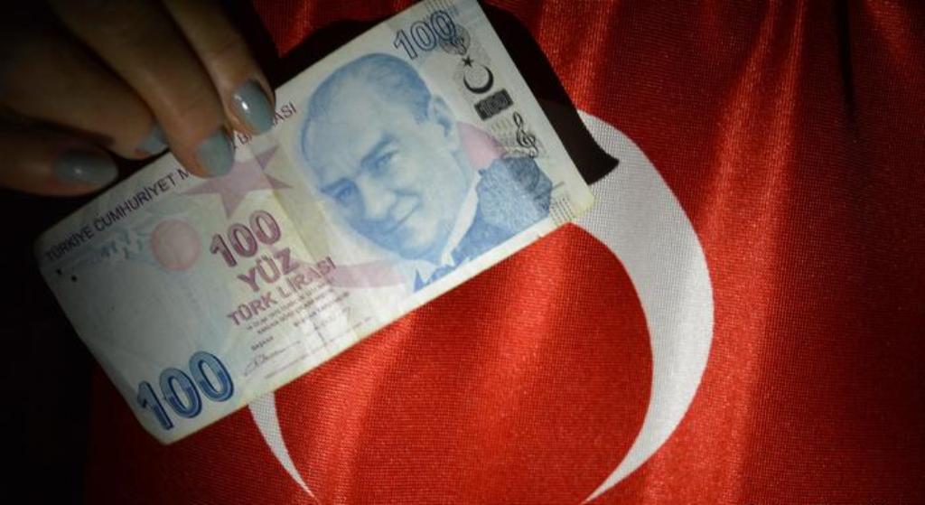 Konflikti me Amerikën, lira turke në rënie të lirë