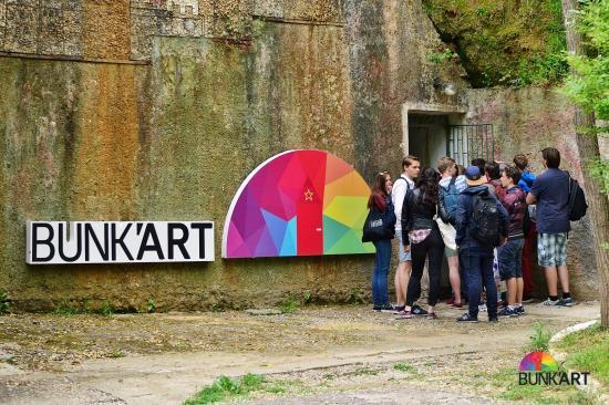 Televizioni më i madh kinez reportazh për Shqipërinë: Bunk' Art, atraksioni më i pëlqyer