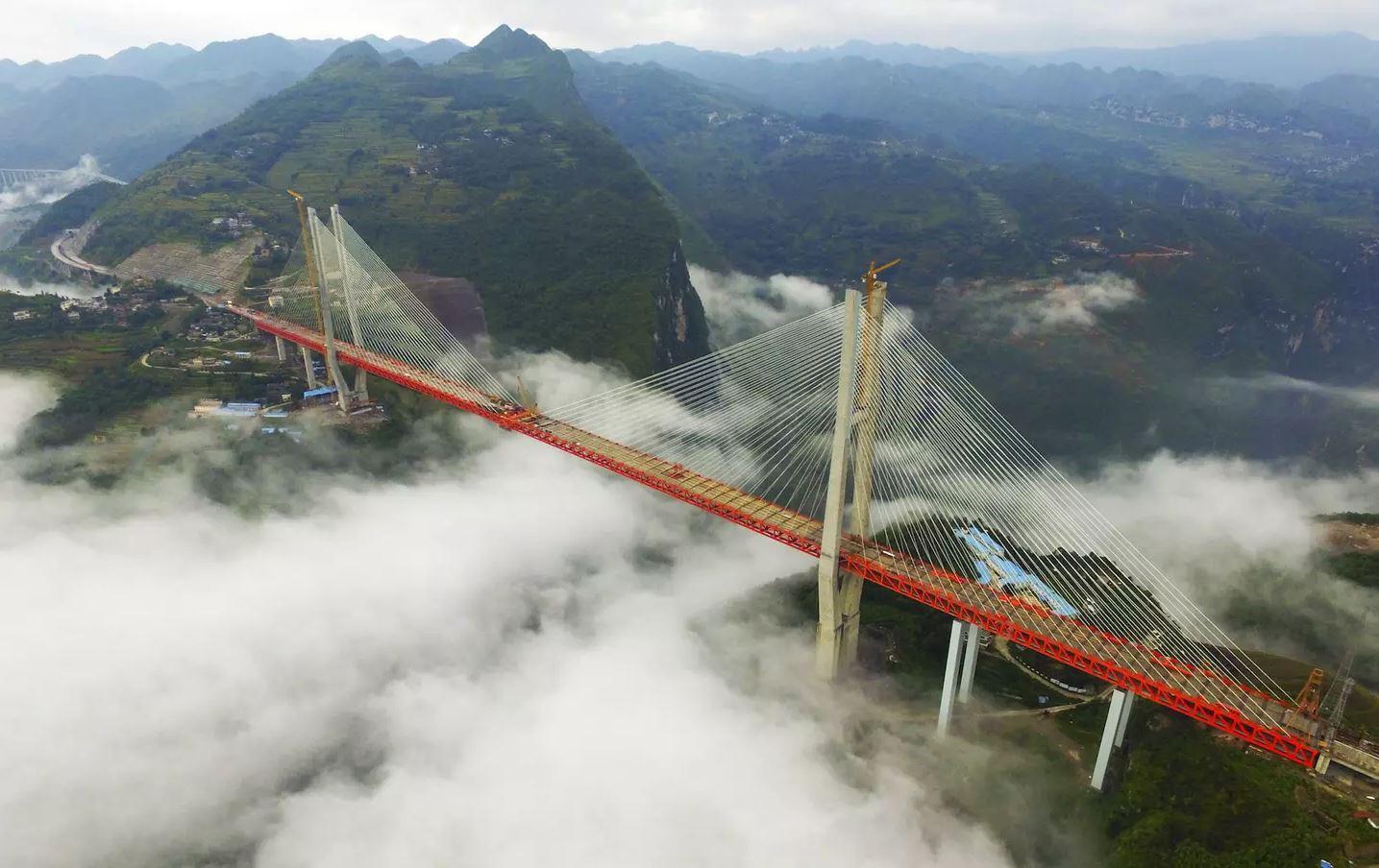 Kjo ështëura më e lartë në botë, ngrihet 565 metra mbi lumë (Video-spektakël)