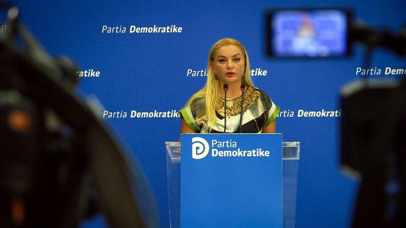 Albana Vokshi i kërkon AKEP-it të tërhiqet: Mos u merr me portalet, nuk ke kompetenca