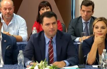 Opozita në Vlorë, Basha akuzon: Bilanc lufte, me rekord të vrarësh!
