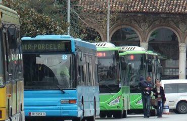 Ndodh te ne, por jo në Europë, fëmijët mbi 6 vjeç duhet të paguajnë biletë autobusi