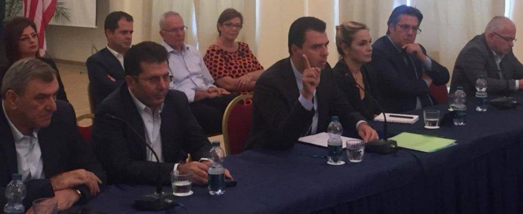 Opozita mblidhet në Durrës/ Basha: Rama dhe Xhafaj po pastrojnë paratë e drogës me lojëra fati