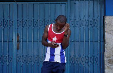 Edhe Kuba e varfër ka futur internetin publik në rrugë, po Shqipëria?
