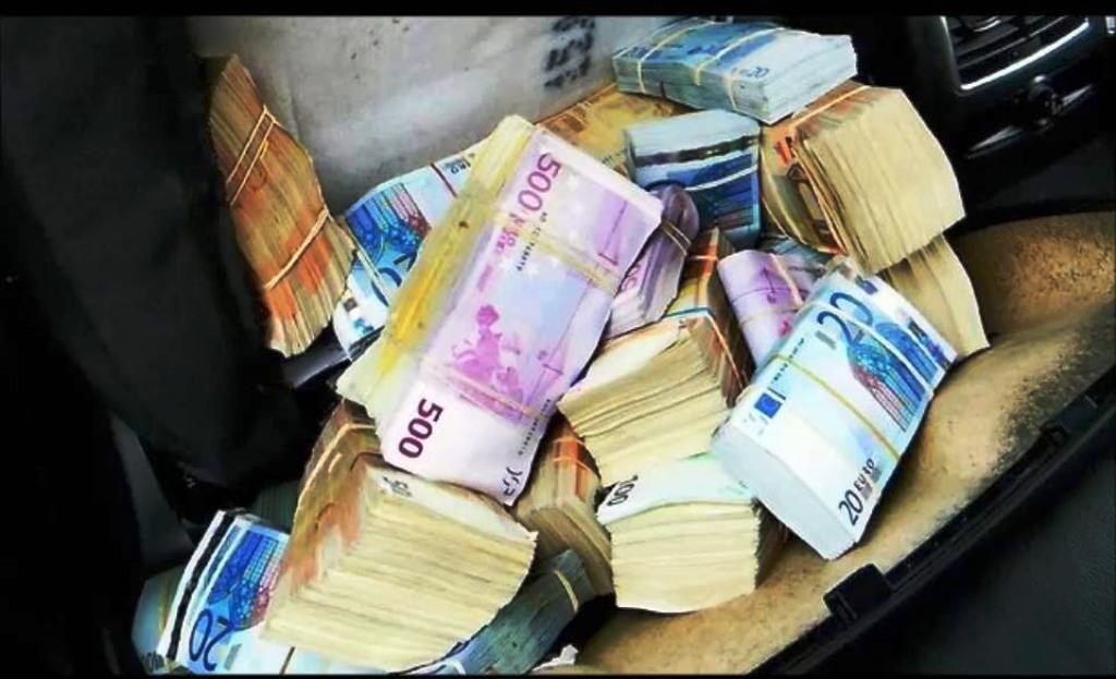 Shoferi i dehur kapet me 70 mijë euro në makinë, rezultoi i dënuar për trafik droge në Itali e Zvicër
