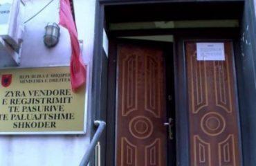 SHKODËR/ Korrupsioni, pranga juristit të Hipotekës dhe tre të tjerëve