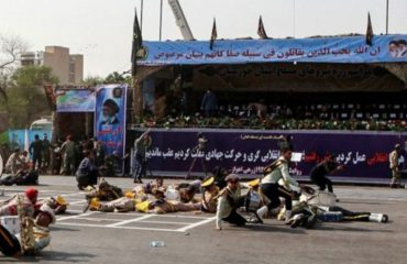 IRAN/ Sulm mbi turmën gjatë paradës ushtarake, të paktën 25 të vrarë mes ushtarakëve dhe civilëve