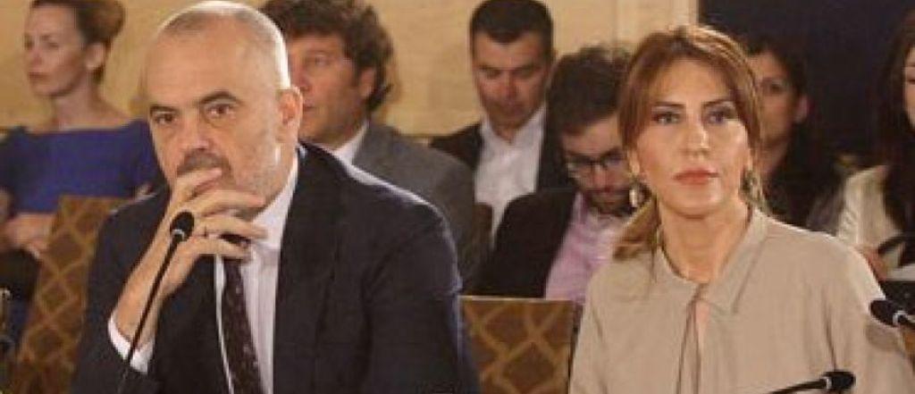 """""""ANTENA JASHTË FAMILJES""""/ Shoqja Majlinda Bregu shantazhon Kryeministrin: Nuk kthehem në Shqipëri nëse..."""