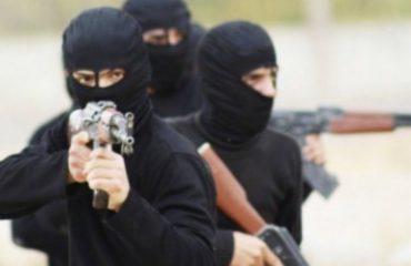 Durrës, grabitet mjeti që transferonte paratë e bankës