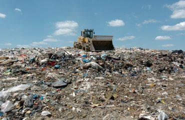 Mijëra tonelata plehrash derdhen pa kriter, mbetjet e ngurta në nivele alarmante