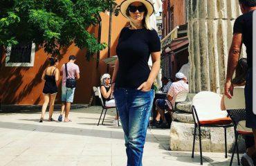 Rozana Radi mahnitet në Itali