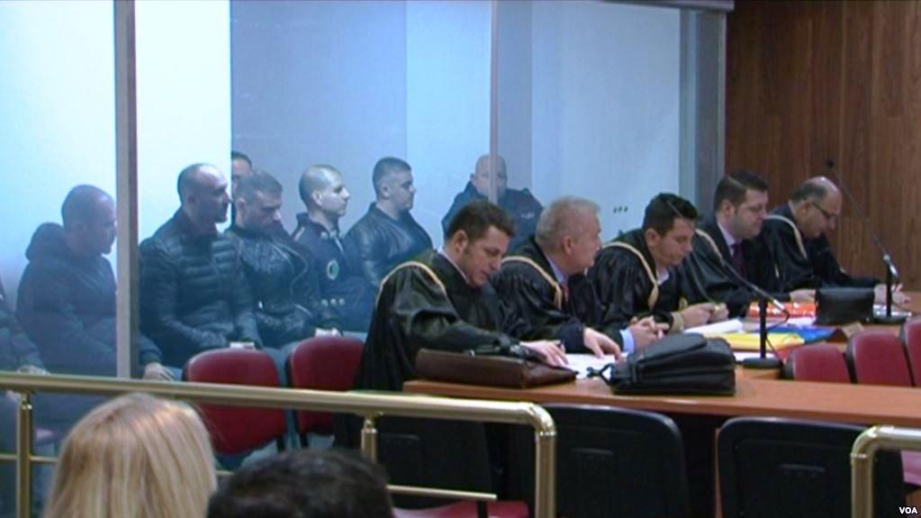 """KRIMET E RËNDA/ Shtyhet sërish seanca për grupin """"Shullazi"""", avokatët kërkojnë kohë për mbrojtjen"""