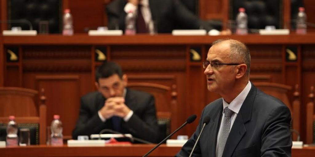 Vasili: Rilindja e ka kthyer parlamentin në gjykatë për të mbrojtur deputetë e saj nga arrestimi