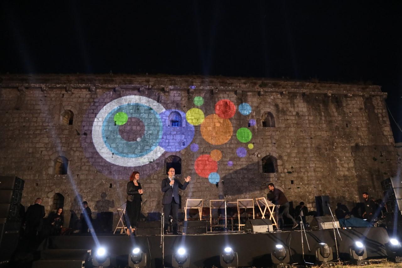 Bushati: Arti dhe kultura forcojnë lidhjet e Shqipërisë me Evropën