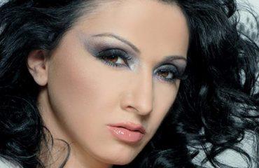 Babeta Shahini: Mbetem besnike e këngëve me muzikalitet dhe e këndimit live