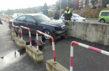 Makina e ambasadës ruse doli nga rruga, plagoset diplomati