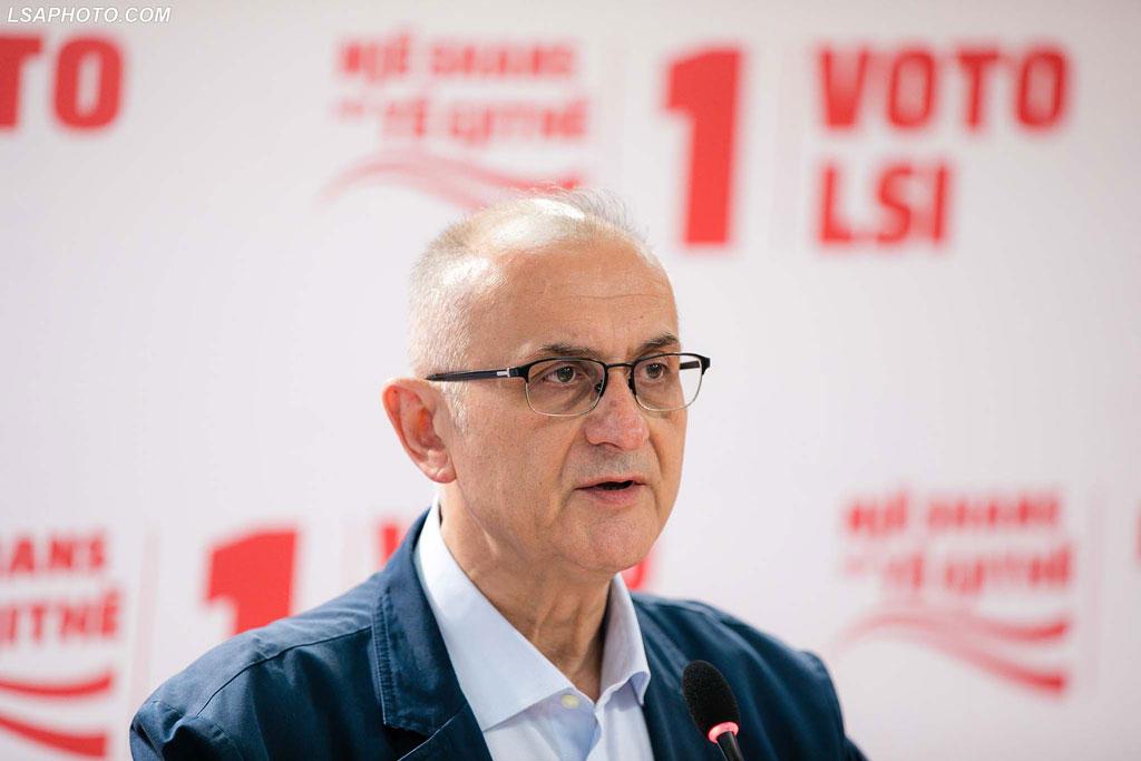 LSI, Vasili: Rama shkollëpak, viktimë e injorancës së vet dhe dashurisë për librat e Cakës