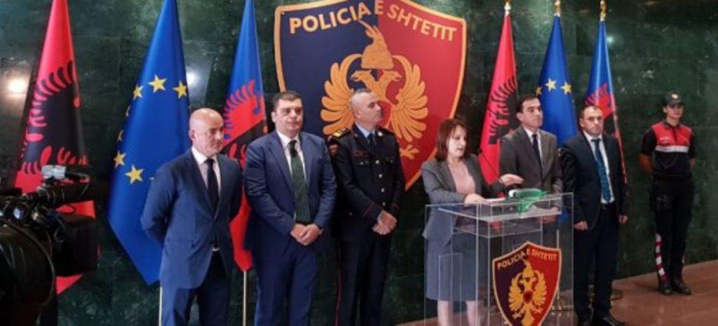 BILANCI I OPERACIONIT TREDITOR/ Prela dhe Veliu: Ja kush janë të arrestuarit në 12 qytete, mes tyre 3 policë