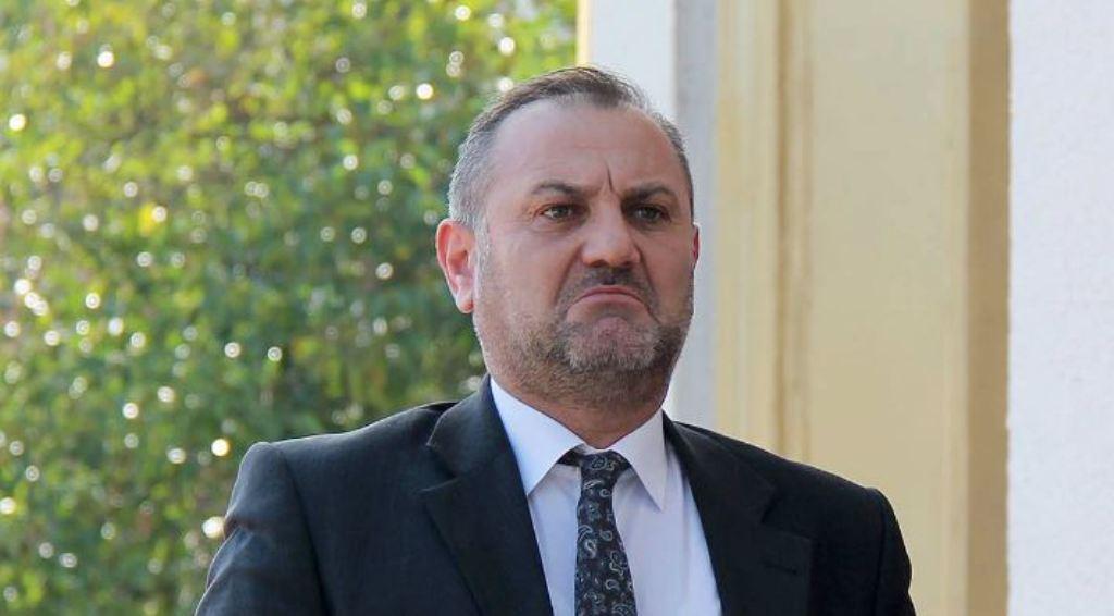 Prangoset ish-Drejtori i Përgjithshëm i Burgjeve, Arben Çuko