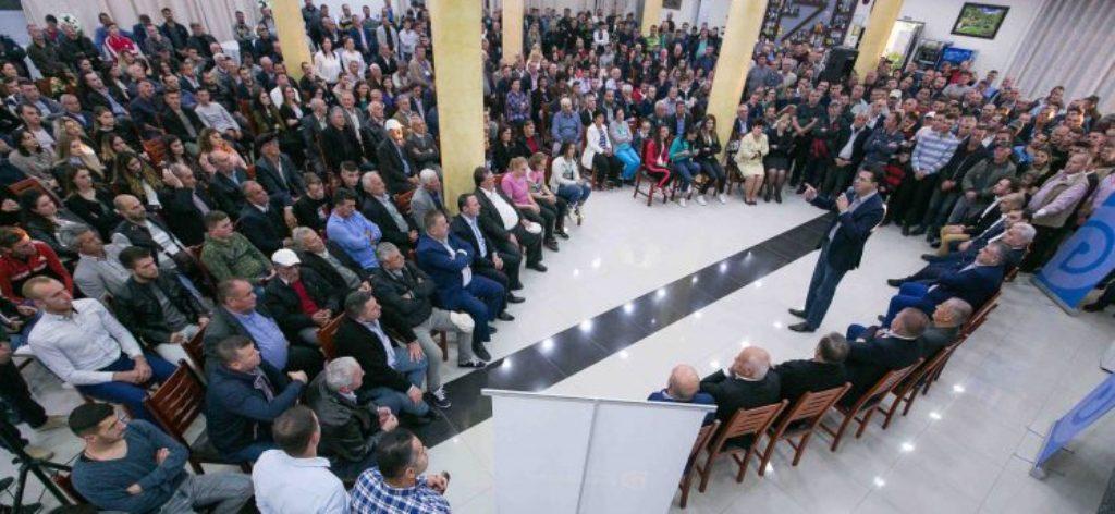 Lulzim Basha: Jemi para një grushti shteti, vetëm Vetingu i politikës na shpëton