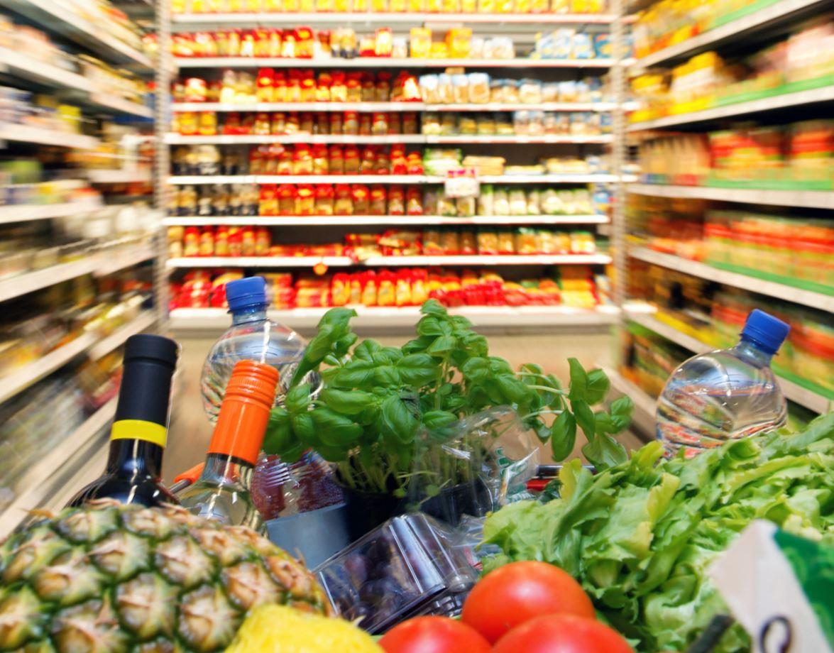 INSTAT rrëzon qeverinë: Shqiptarët më të kursyer, po konsumojnë më pak