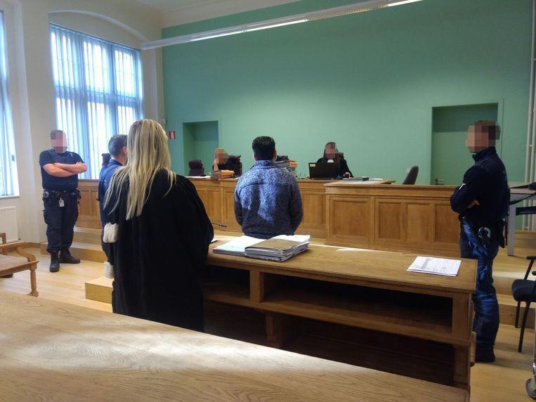 Gruaja belge letër gjykatës, mbron burrin e saj shqiptar të dënuar për vrasje
