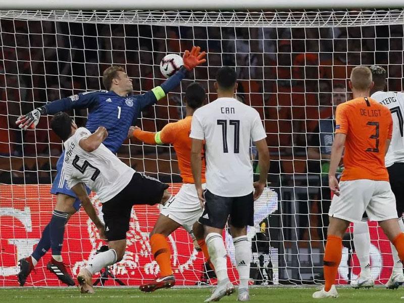 Nis rikthimi i madh, Holanda tre shuplaka Gjermanisë